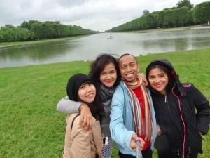 all team at Versailles Palace